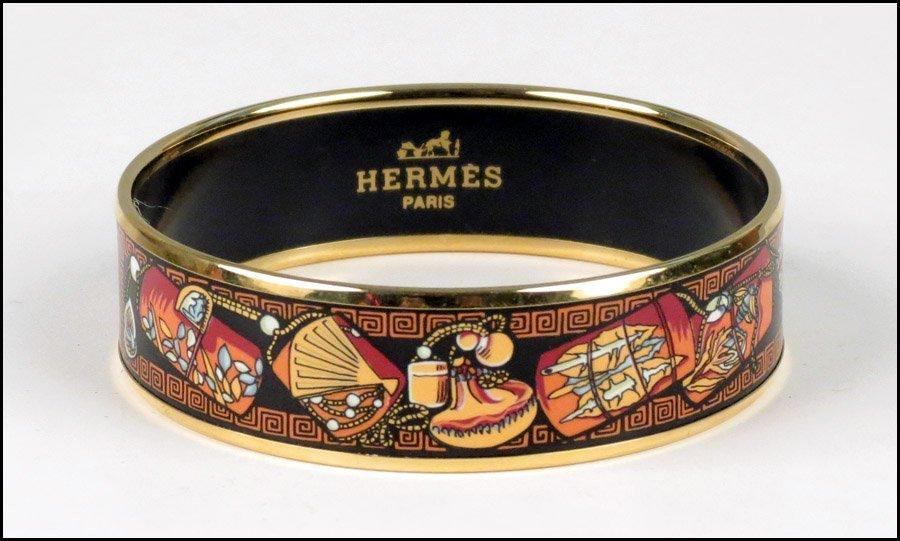 487009: HERMES ENAMEL BRACELET.