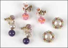 487013: THREE PAIRS OF MIRIAM HASKELL EARCLIPS.