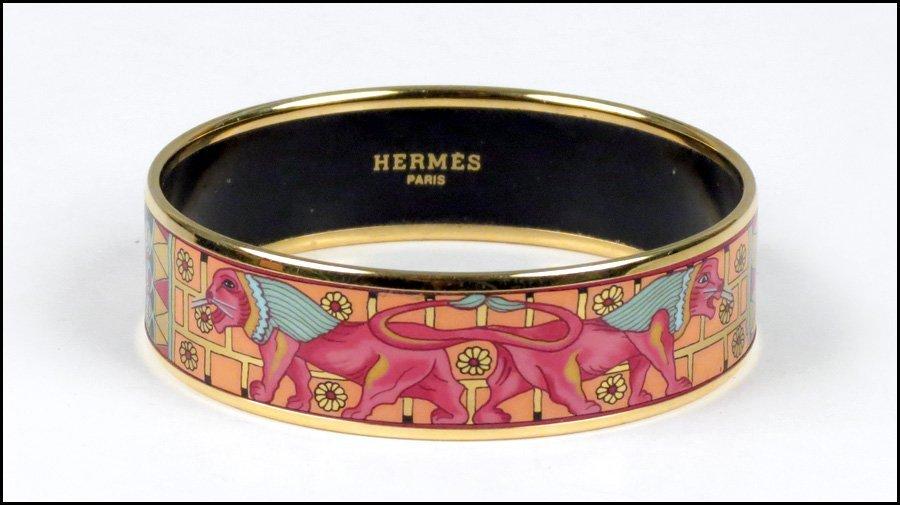 487015: HERMES ENAMEL BRACELET.