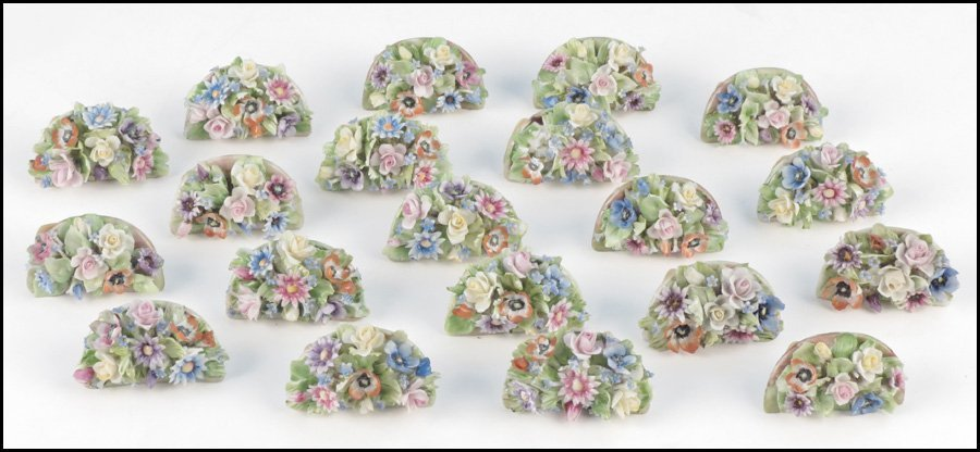1112011: SET OF TWENTY CAPODIMONTE FLORAL PORCELAIN PLA