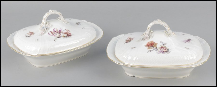 1112014: PAIR OF KPM PORCELAIN COVERED SERVING DISHES.