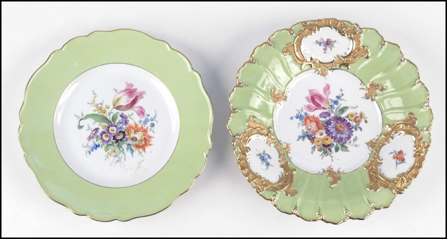 1112017: MEISSEN PAINTED AND GILT PORCELAIN SCALLOPED B