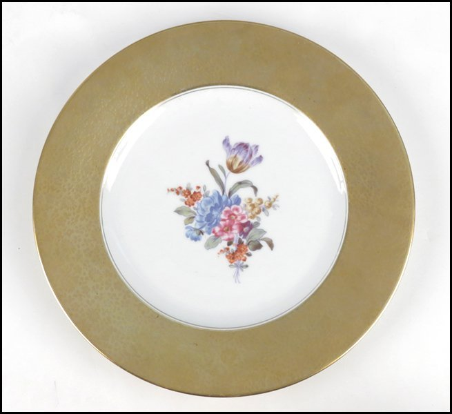 1112019: SET OF TWELVE KRAUTHEIM GILT PORCELAIN PLATES.