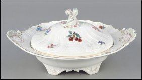 MEISSEN PORCELAIN COVERED SERVING DISH.