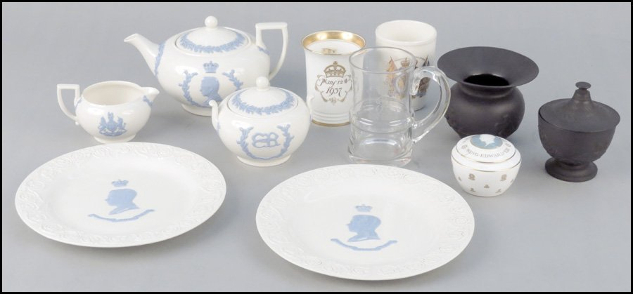 1112033: COLLECTION OF WEDGWOOD QUEENSWARE PORCELAIN.