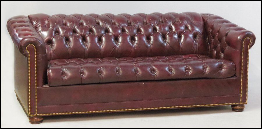 1121080: HANCOCK AND MOORE LEATHER CHESTERFIELD SLEEPER - 3