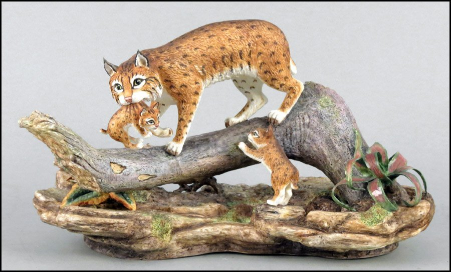 1142008: BOEHM BISQUE PORCELAIN, LYNX WITH CUBS.
