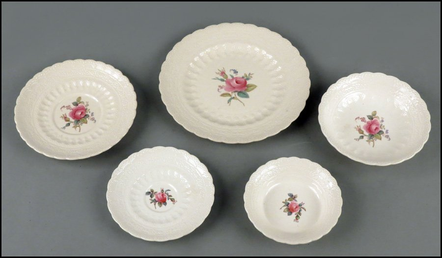 1142013: SPODE BILLINGSLEY ROSE PARTIAL DINNER SERVICE.