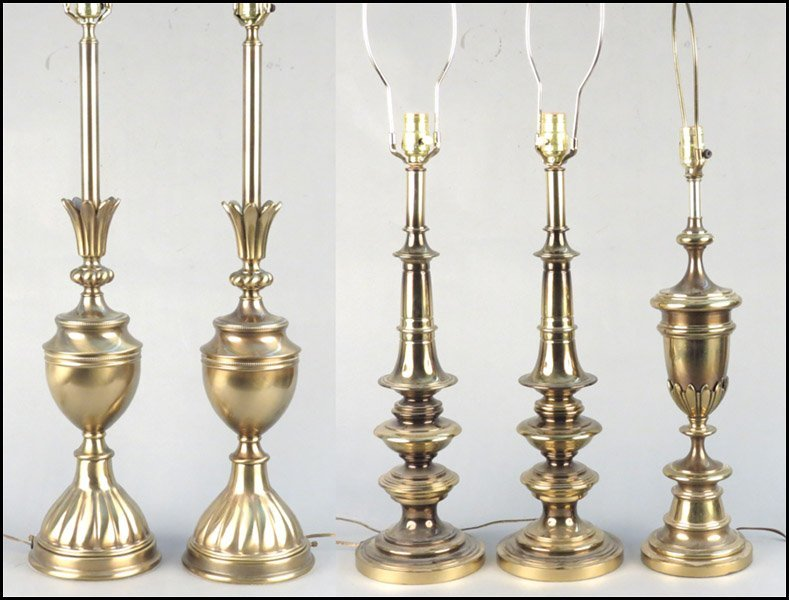 1142089: TWO PAIRS OF BRASS TABLE LAMPS.