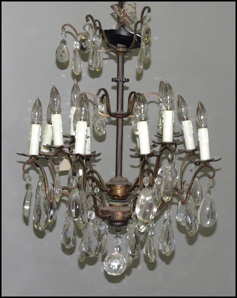 1142091: PATINATED BRONZE AND CRYSTAL TWELVE-LIGHT CHAN