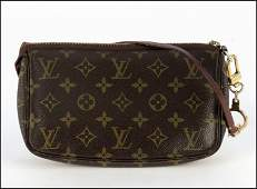 499013: LOUIS VUITTON MONOGRAMMED CANVAS AND LEATHER PO