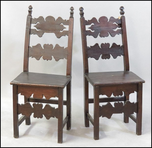 1151008: PAIR OF ITALIAN 18TH CENTURY SIDE CHAIRS.