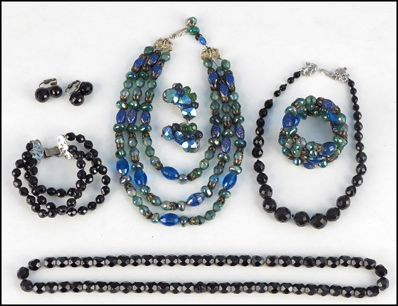 HOBE TRIPLE STRAND GREEN AND BLUE BEAD NECKLACE.