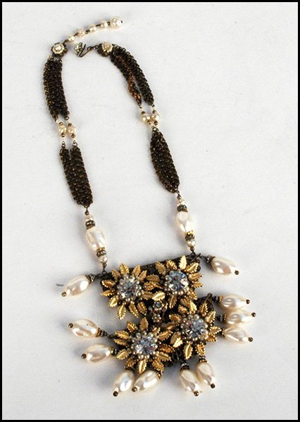 MIRIAM HASKELL NECKLACE.