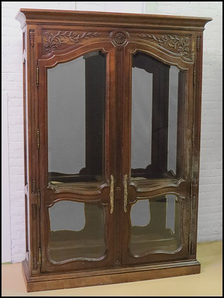 MAHOGANY TWO-DOOR GLASS FRONT CABINET.