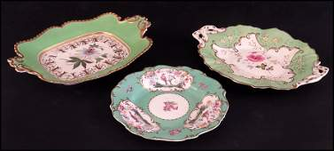 THREE ENGLISH 19TH CENTURY PORCELAIN TABLE ARTICLES.