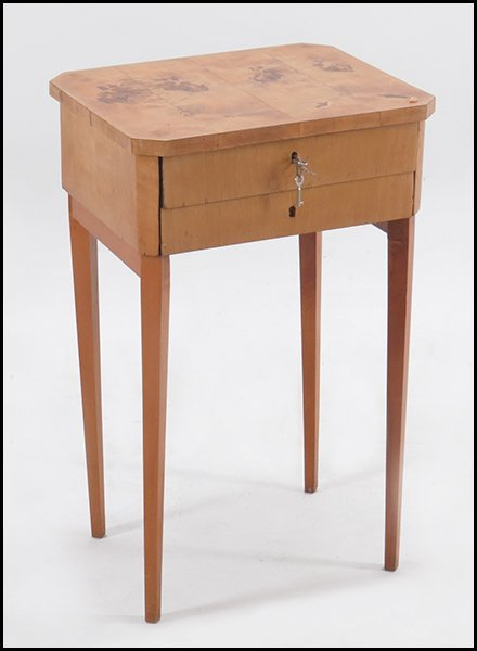 BIEDERMEIER BIRCH SIDE TABLE.