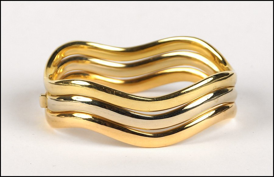 ITALIAN 18 KARAT TRI-COLOR GOLD WAVY LINE BANGLE