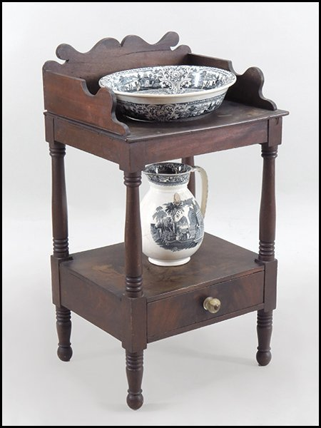 ENGLISH MAHOGANY WASH STAND.