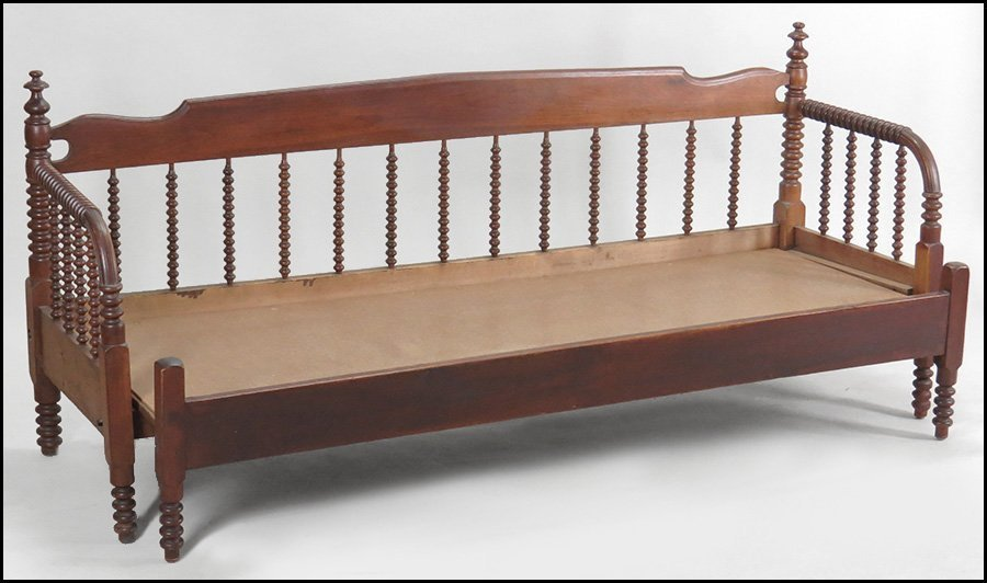 19TH CENTURY JENNY LIND STYLE SPOOL TURNED BEDFRAME. - 2