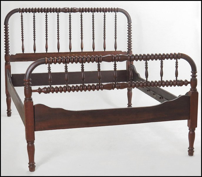 19TH CENTURY JENNY LIND STYLE SPOOL TURNED BEDFRAME. - 3