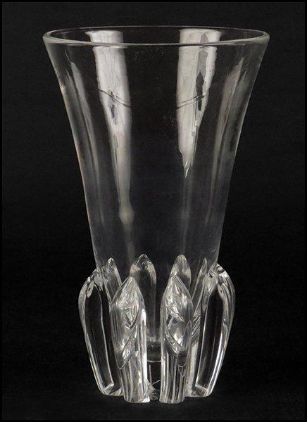 STEUBEN GLASS BOUQUET VASE.