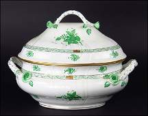 A HEREND HUNGARY HANDPAINTED PORCELAIN 'CHINESE