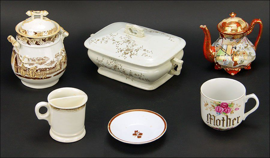 A Collection of Decorative Table Articles.