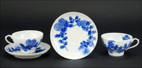 A Set Of Japanese Porcelain Teacups And Saucers.