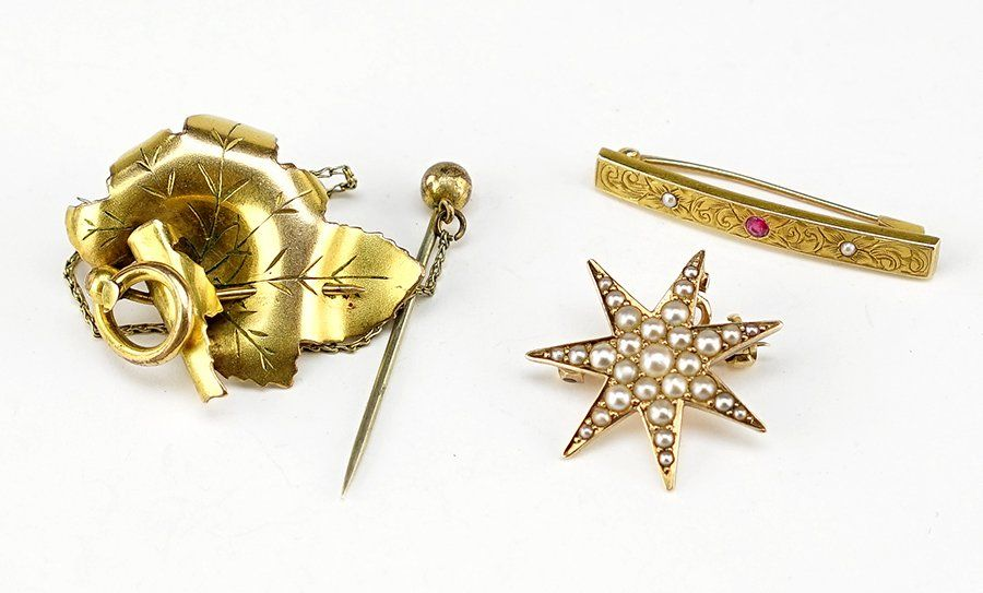 A Collection Of Victorian Gold Jewelry.