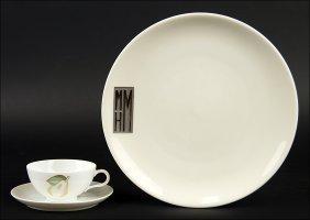 A Set Of Twelve Lamberton Porcelain Dinner Plates.