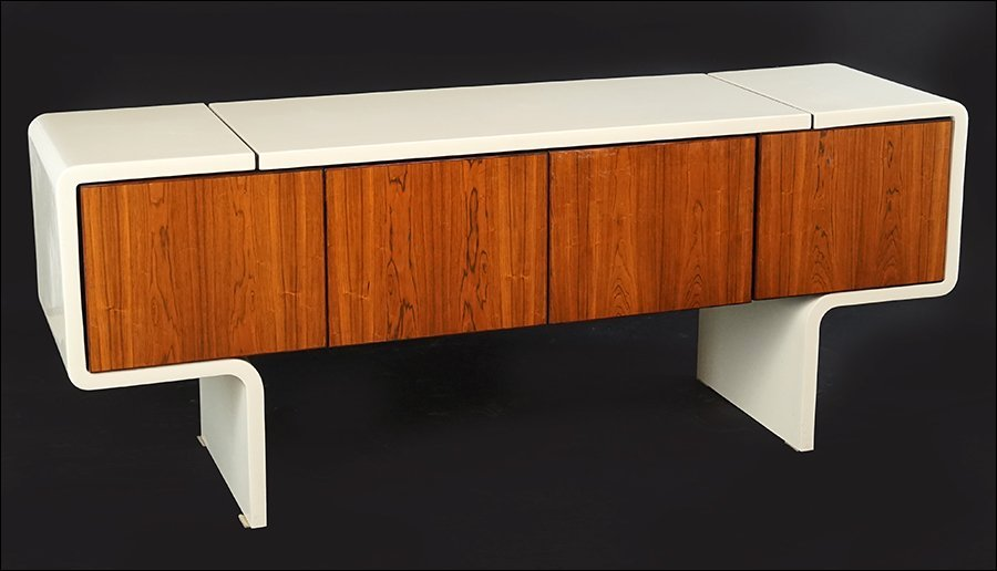 A William Sklaroff for Vecta 'Uniplane' Credenza.