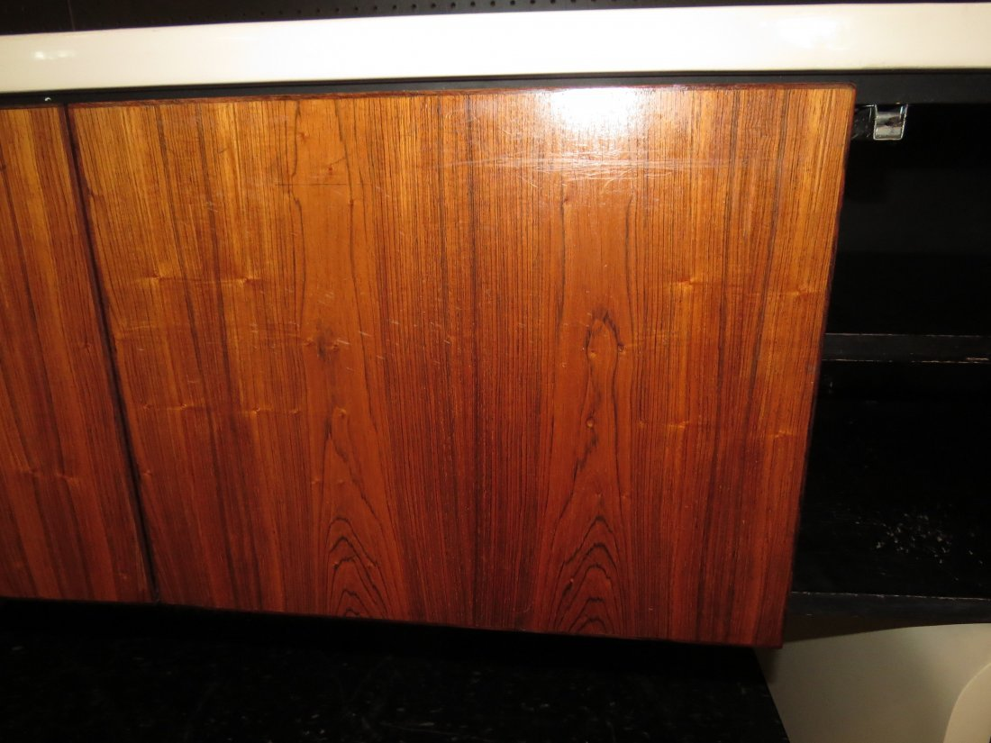 A William Sklaroff for Vecta 'Uniplane' Credenza. - 6