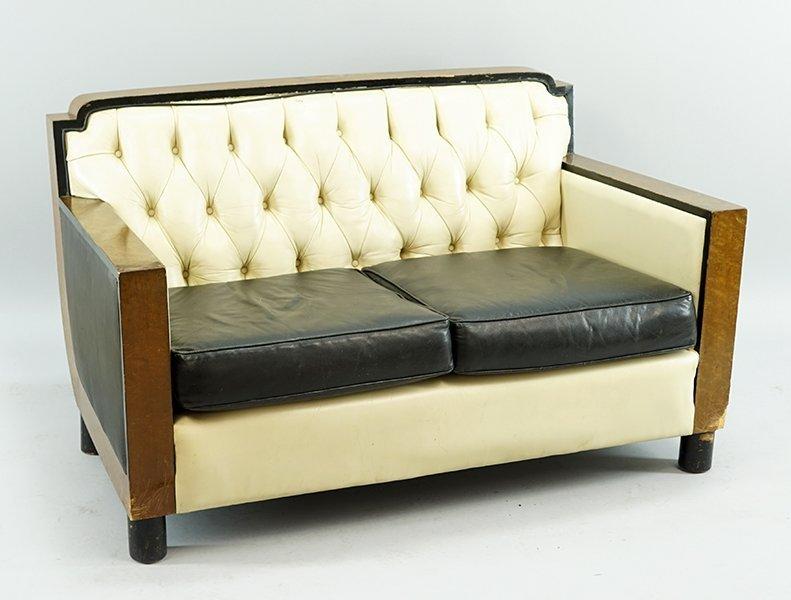 A Suite of Italian Art Deco Furniture. - 2