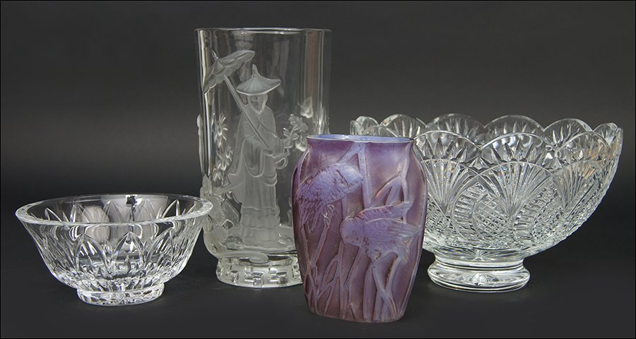 A Verlys Frosted Glass Vase.