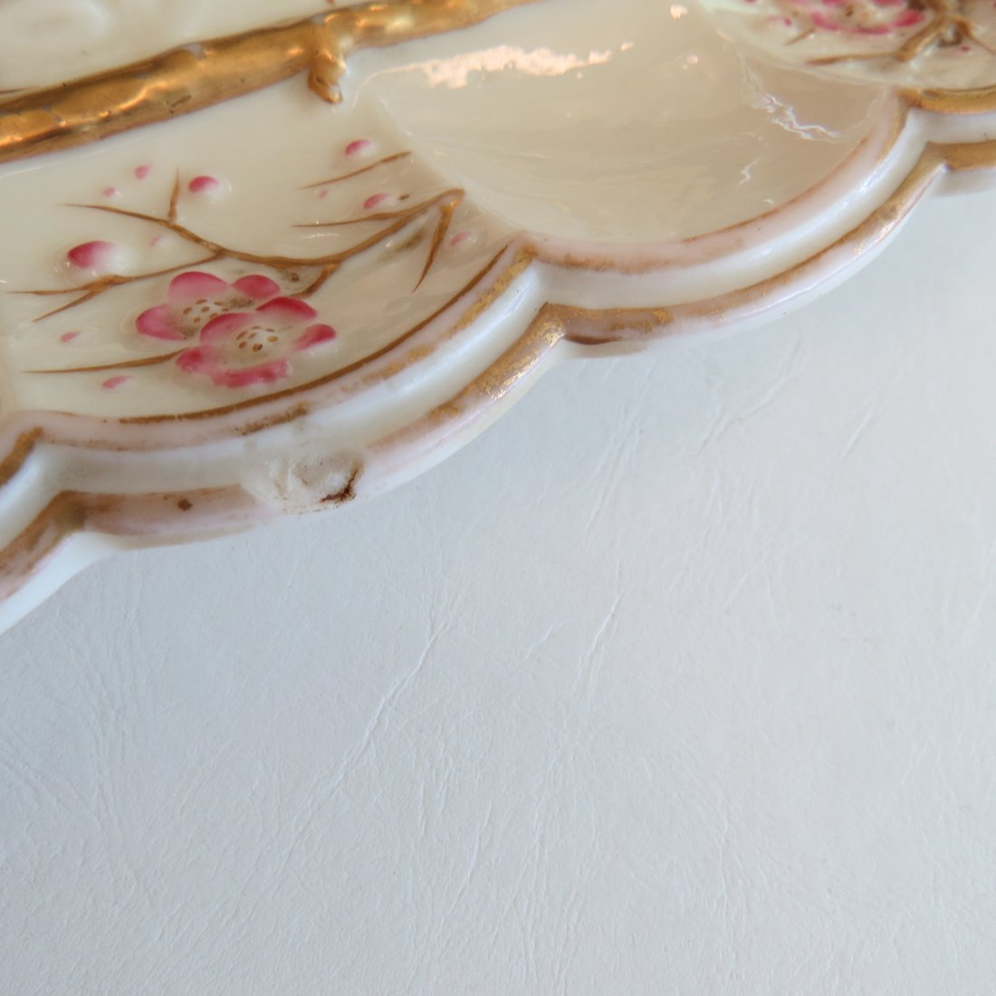 A Belleek Porcelain Serving Tray in the 'Thorn' - 3
