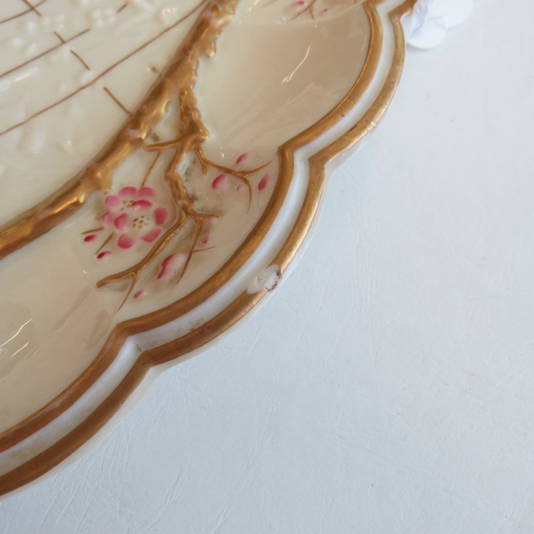 A Belleek Porcelain Serving Tray in the 'Thorn' - 4