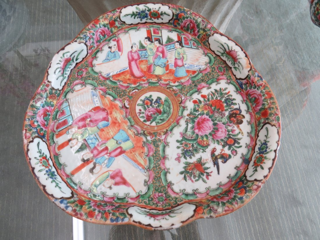 A Collection of Chinese Rose Medallion Tea Service. - 2