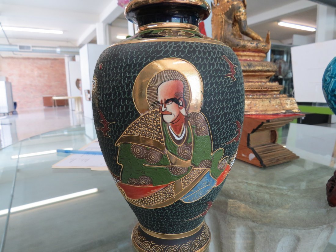 A Chinese Eggshell Porcelain Vase. - 8