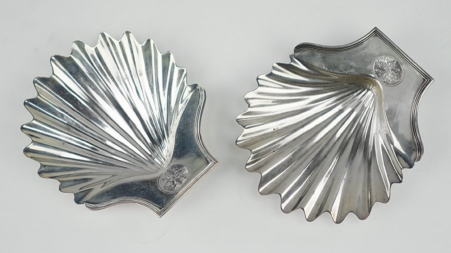 A Pair of Georgian Silver Shell Dishes.