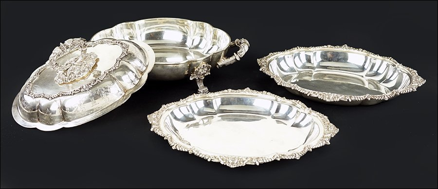An English Silverplate Covered Serving Dish. - 2