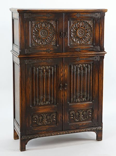 A Carved Oak Dining Suite. - 2