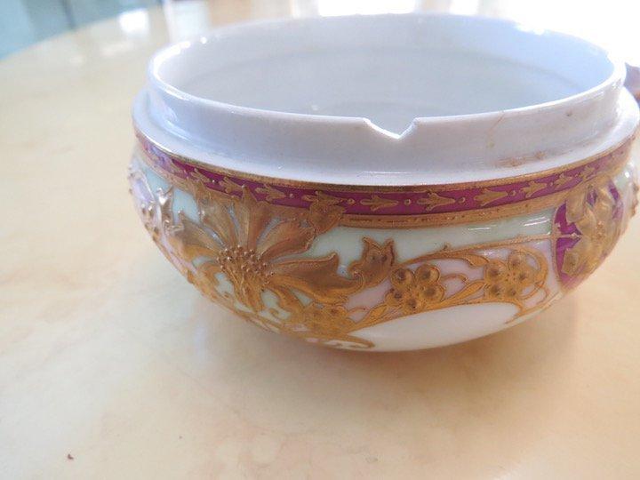 A Meissen Porcelain Teacup and Saucer. - 4