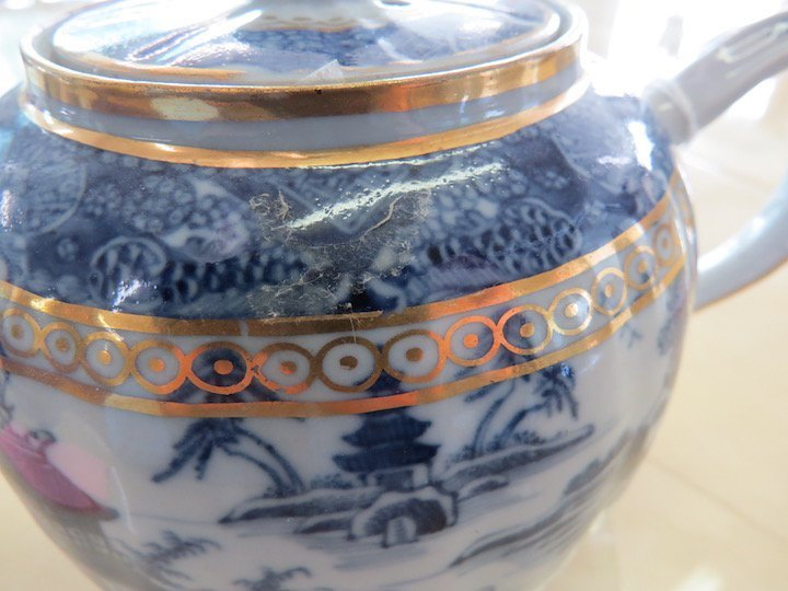A Chinese Nanking Export Porcelain Teapot. - 5