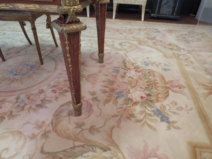 An Aubusson Savonnerie Carpet. - 8
