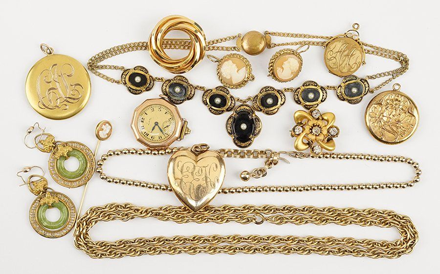A Collection of Goldfilled Jewelry.