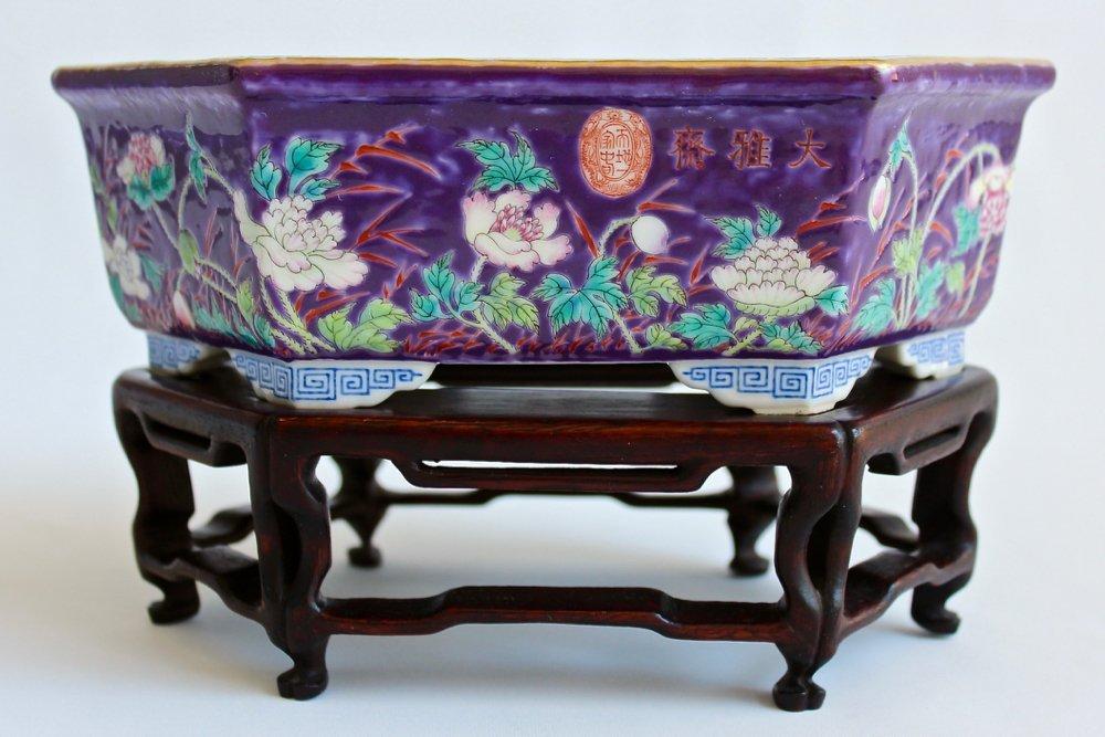 EX-SOTHEBY'S Dayazhai Purple-Ground Famille-Rose Tray 1