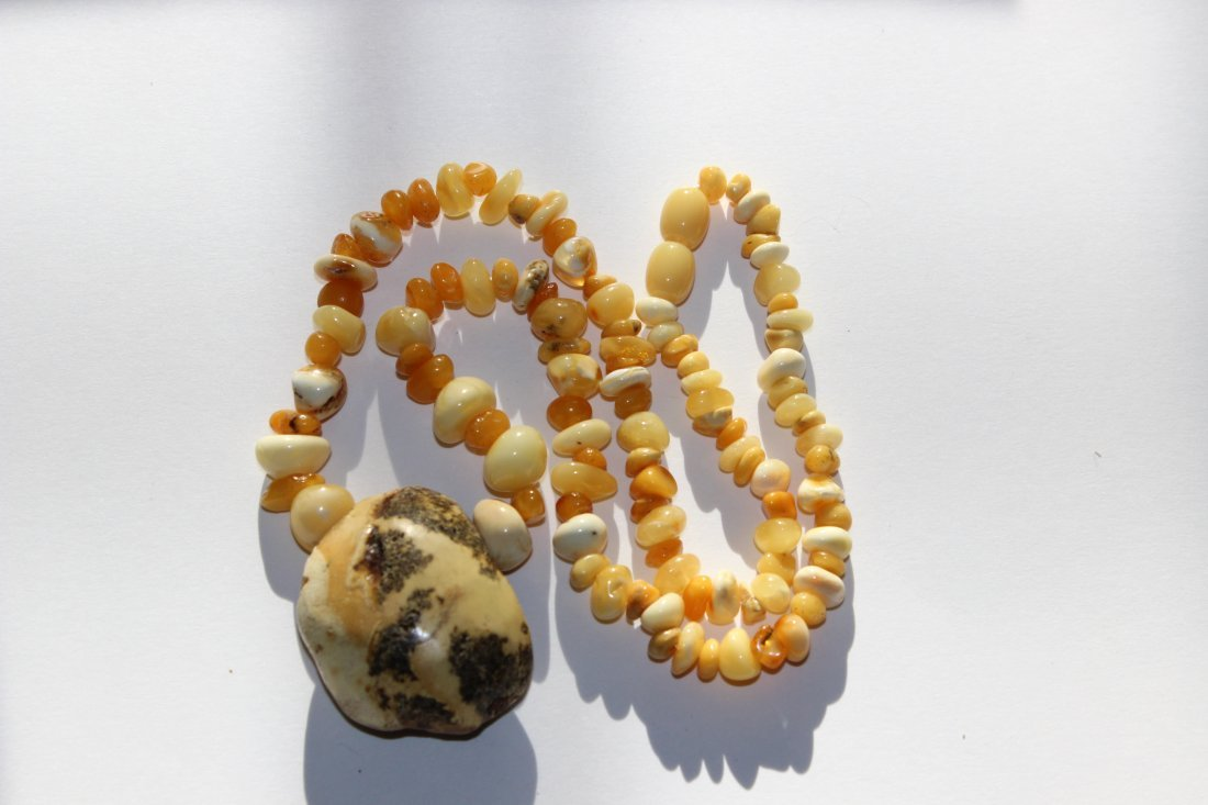 Amber necklace with big pendant