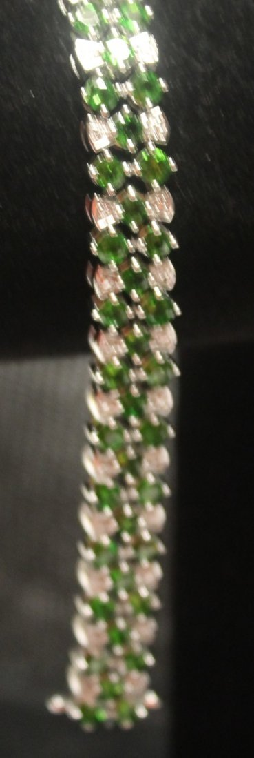 Very Stylish Sterling Silver Chrome Diopside & White