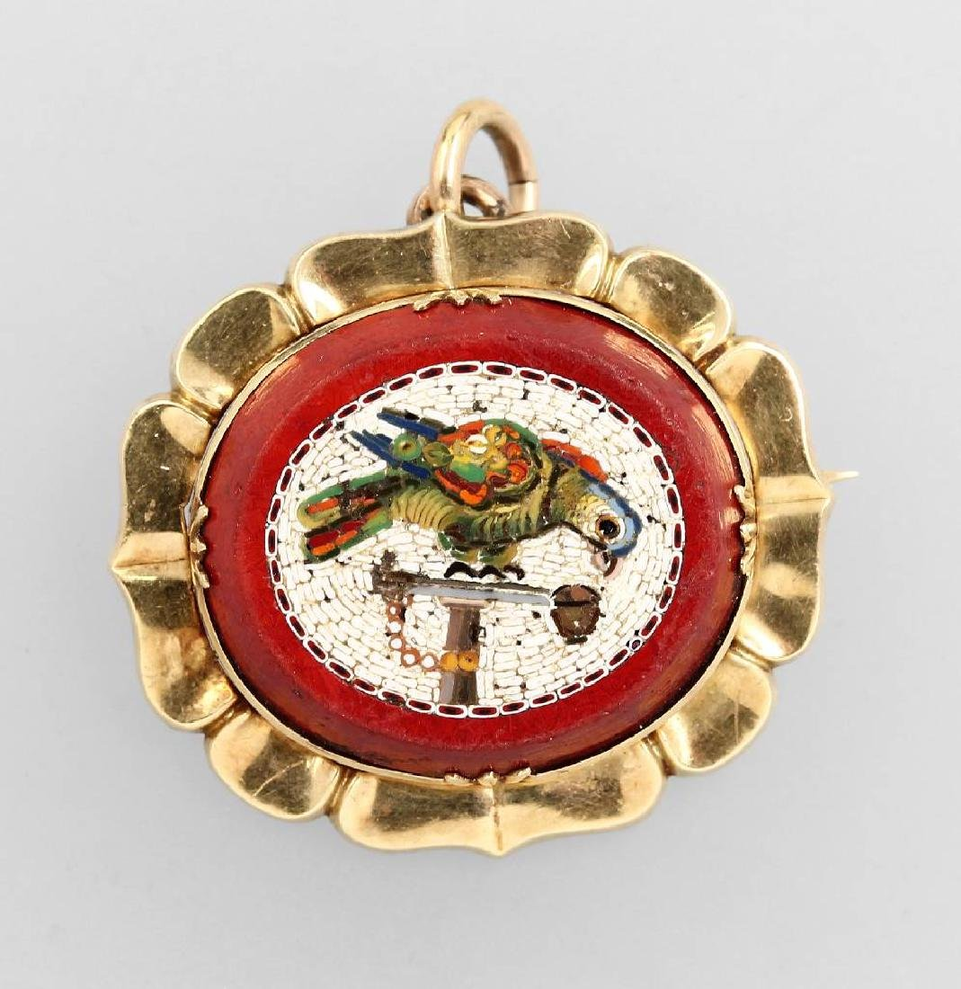 14 kt gold pendant/brooch with micromosaic